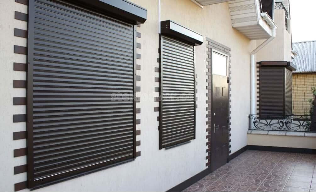 Защитные роллеты на окна – преимущества и недостатки